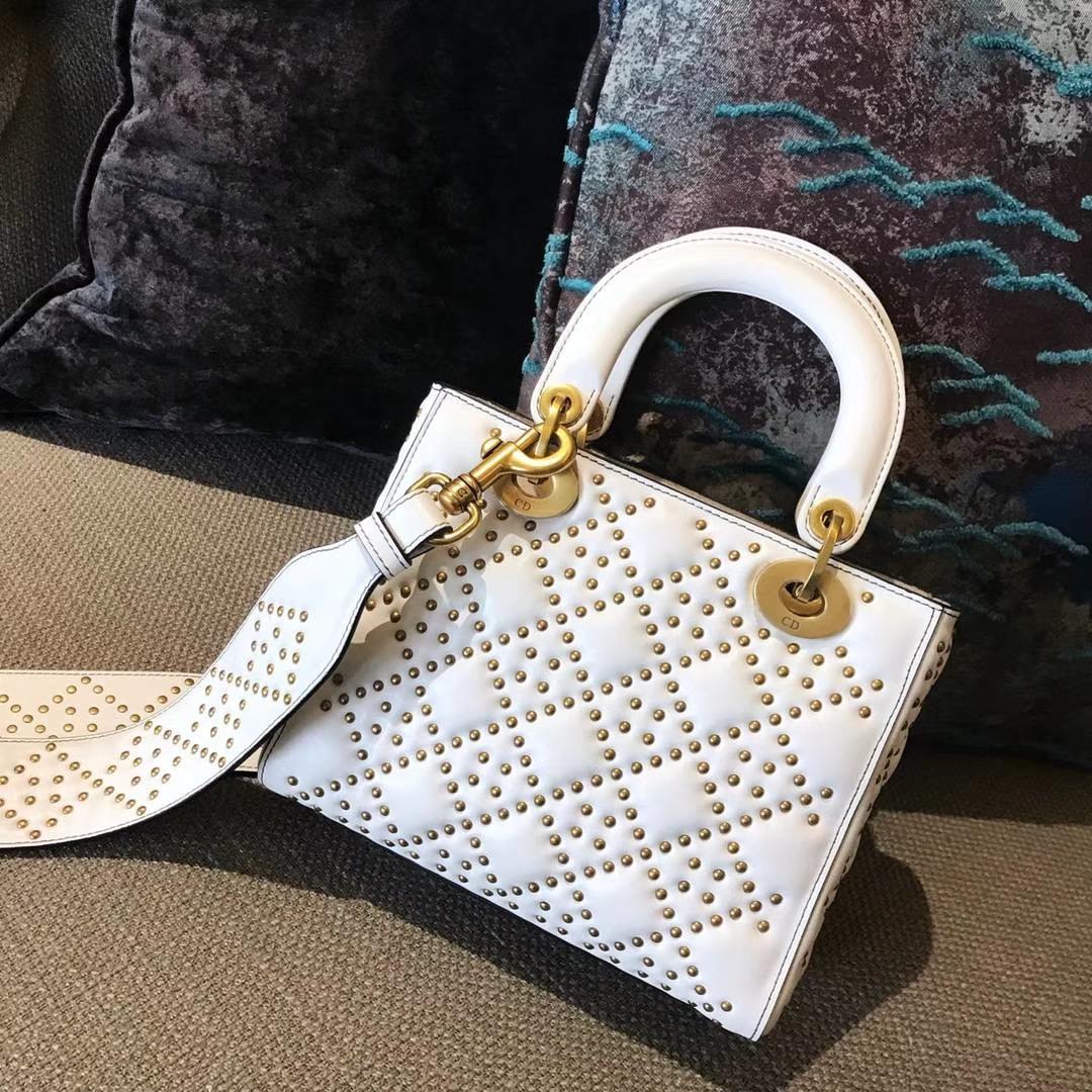 Dior 迪奥 戴妃包 Lady Dior 牛皮铆钉包 女神专属白色  限量版 手工打制 复古风五格铆钉包