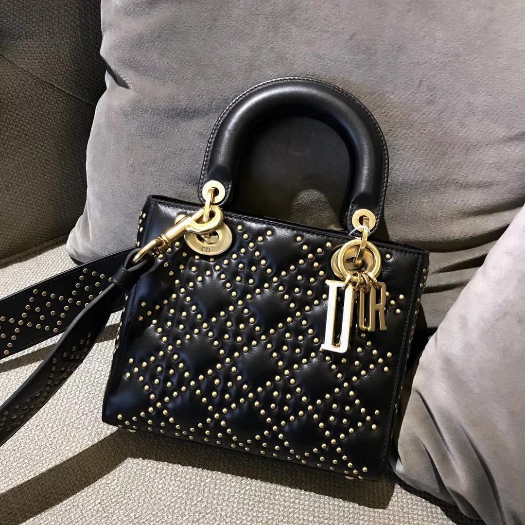 Dior 迪奥 戴妃包 Lady Dior 牛皮铆钉包 女神专属黑色  限量版 手工打制 复古风五格铆钉包
