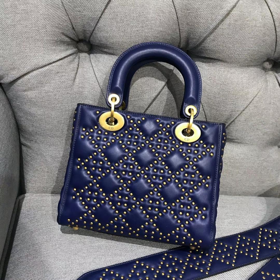 Dior 迪奥 戴妃包 Lady Dior 牛皮铆钉包 女神专属蓝色  限量版 手工打制 复古风五格铆钉包