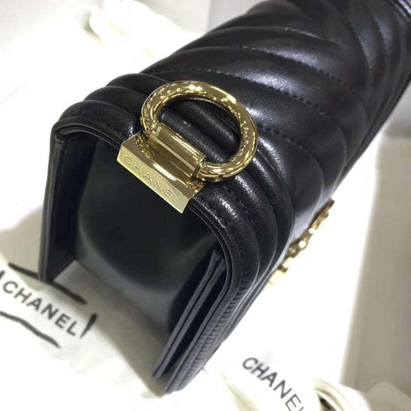 Chanel 香奈儿 Leboy Bag 大V款 小羊皮 黑色 20cm 浅金扣