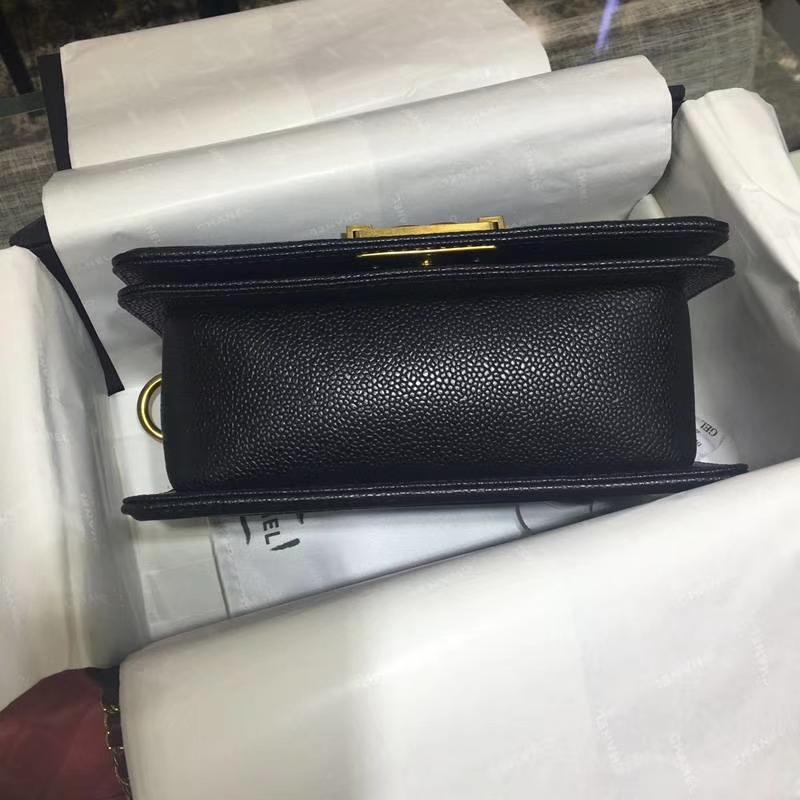 Chanel 香奈儿 Leboy Bag 鱼子酱 黑色 20cm 经典古金扣