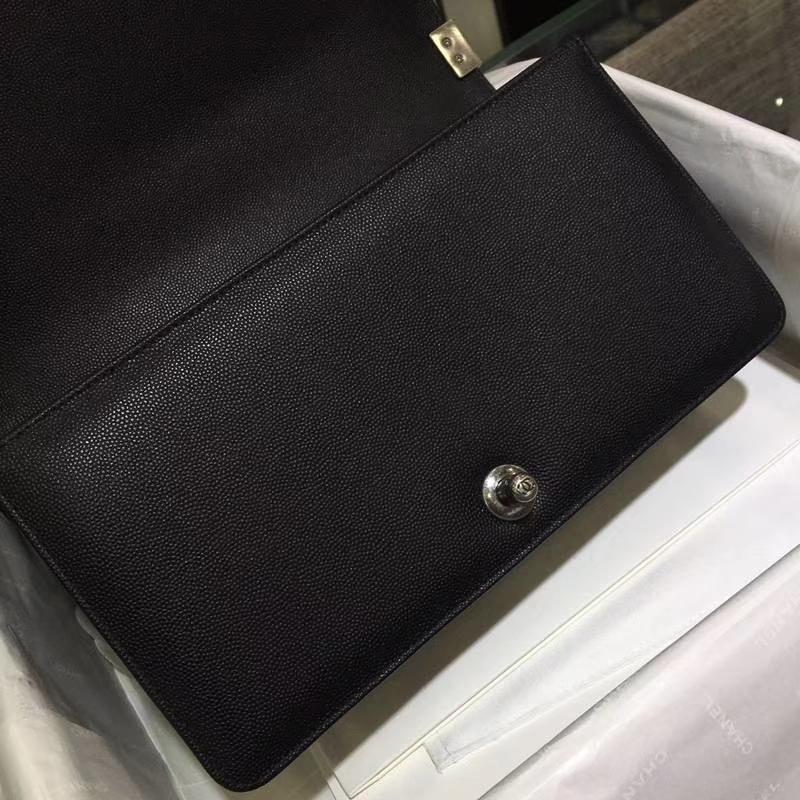 Chanel 香奈儿 Leboy Bag 大V款 鱼子酱 黑色 25cm 复古银扣