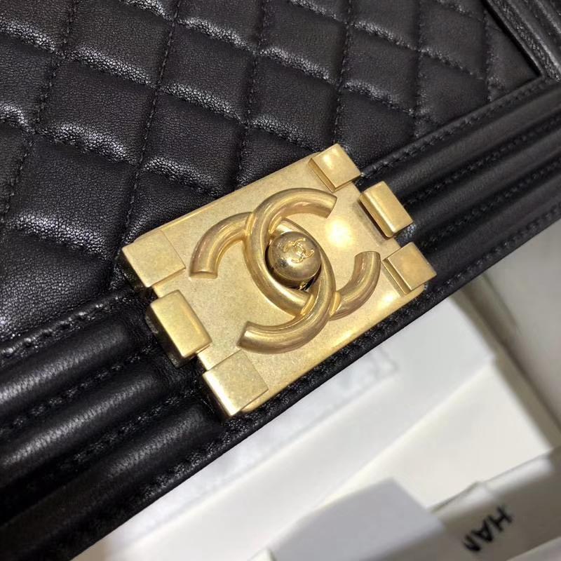 Chanel 香奈儿 Leboy Bag 小羊皮 黑色 25cm 磨砂五金
