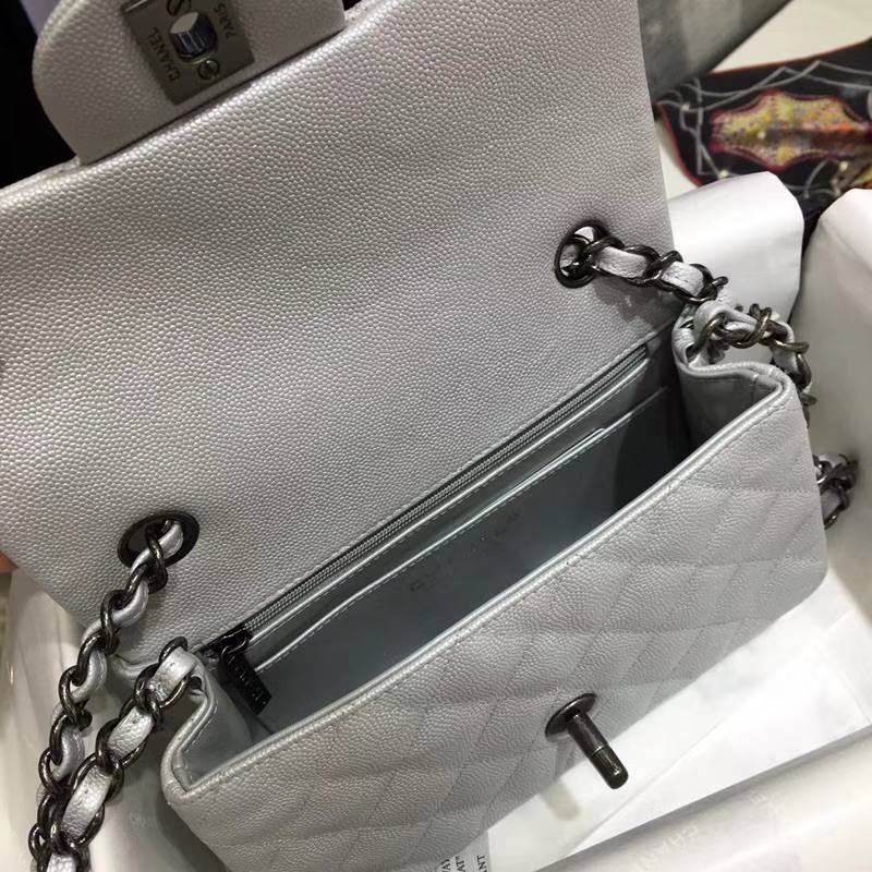 Chanel 香奈儿 ClassicFlap 鱼子酱【银色】20cm  复古银
