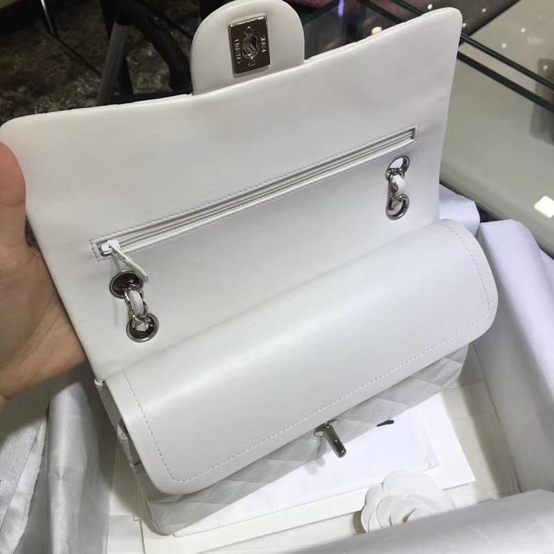 Chanel 香奈儿 Classic Flap 羊皮 白色 25cm 银