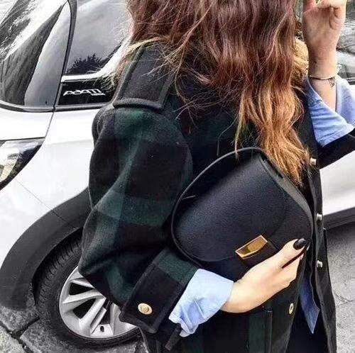 Celine 思琳 五角包 23cm/28cm对比图 经典黑色 掌纹皮