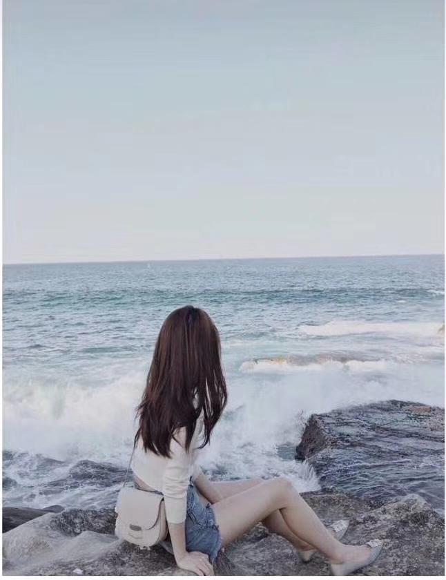 Celine 思琳 大容量翻盖单肩包 出镜率高  百搭 方便 白色