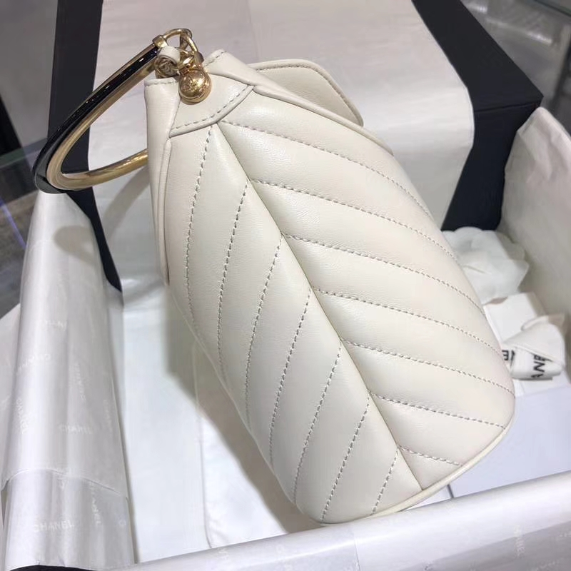 Chanel18巴黎汉堡系列新款BucketBag 白色 金属手柄 水桶包 意大利小羊皮