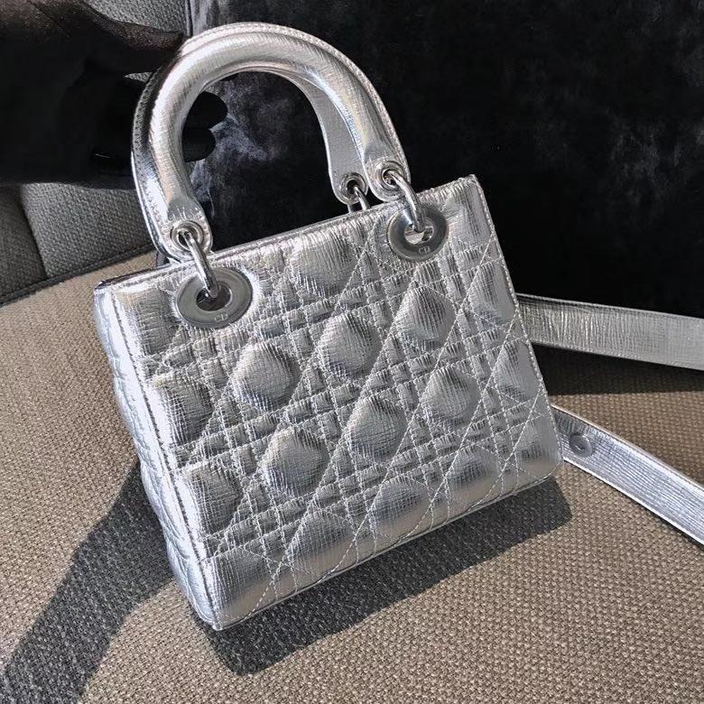 Dior 迪奥戴妃包 Lady Dior 大象纹金属银(17cm/20cm)