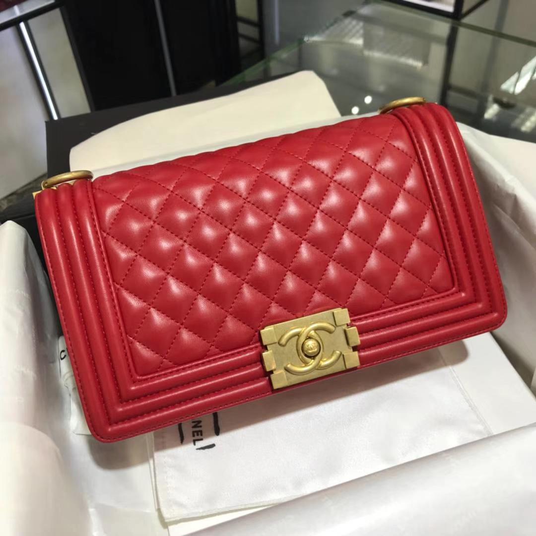 Chanel 香奈儿 Leboy Bag 小羊皮 大红色 25cm 磨砂金