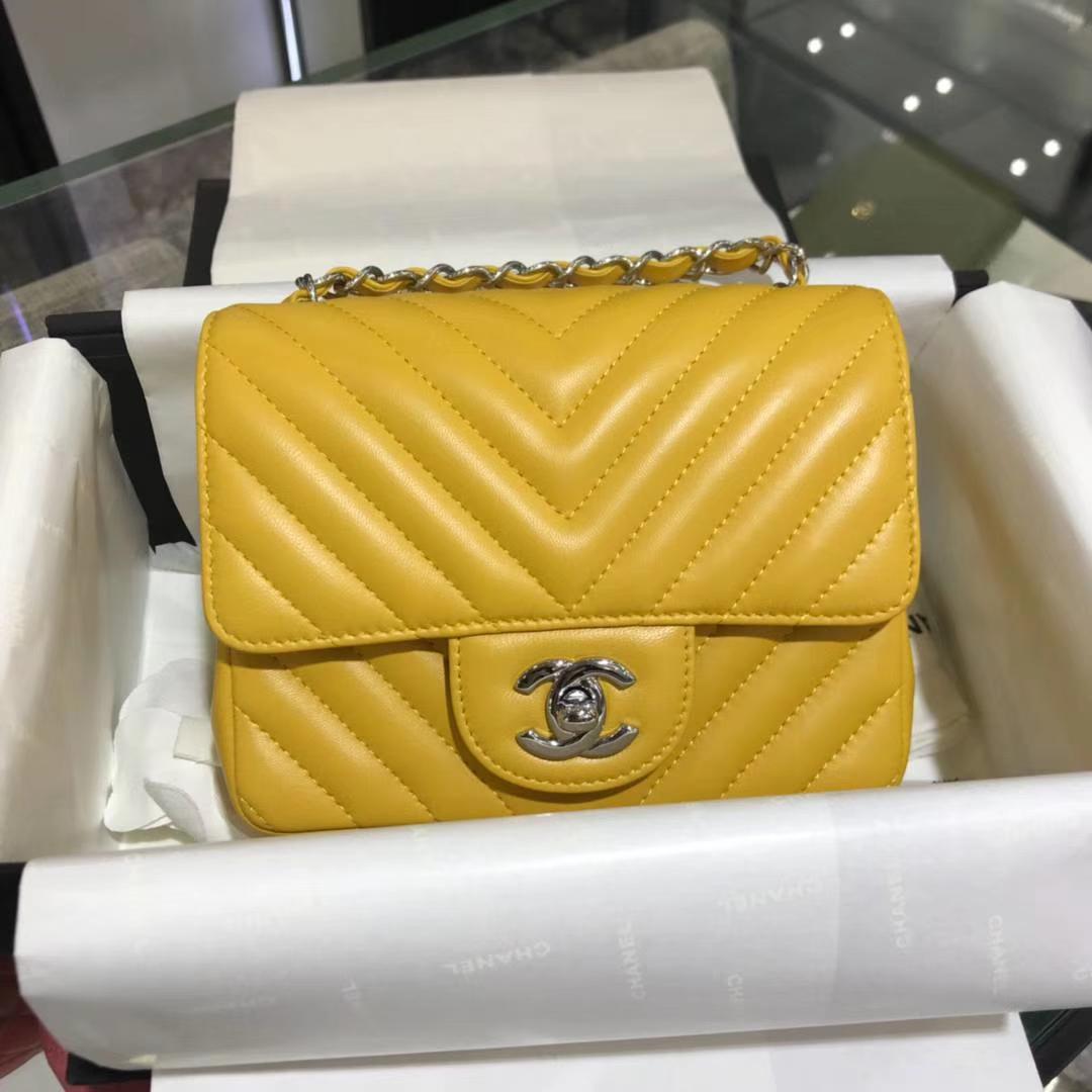 Chanel 香奈儿 V字绣 小羊皮 芒果黄 17cm 银色 现货