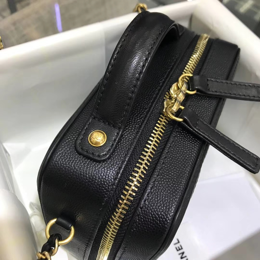 Chanel 2018 新款 化妆包 17cm 原厂皮小鱼子酱 黑色