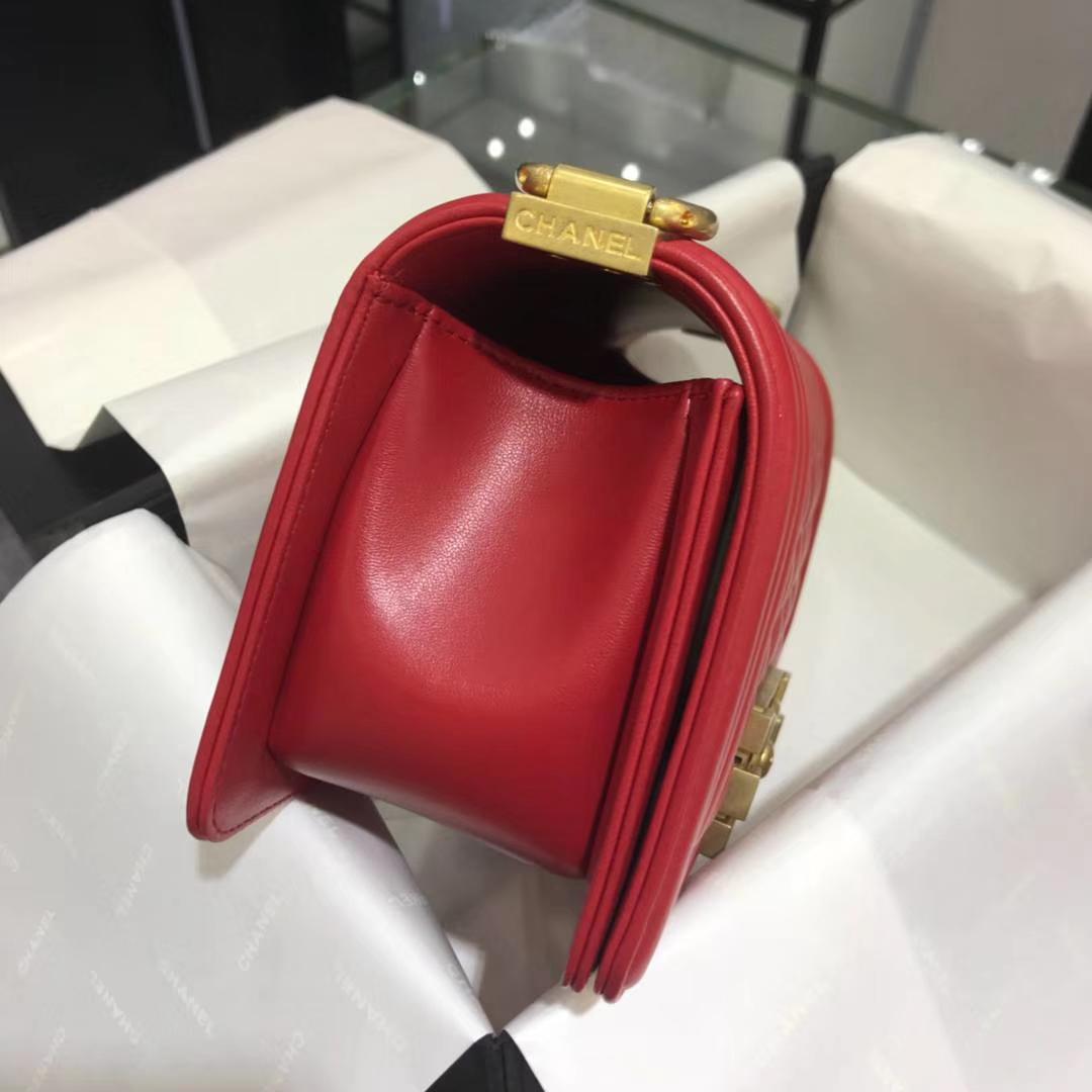 Chanel 香奈儿Leboy 20cm 原厂皮小羊皮 大红色 怀旧磨砂金