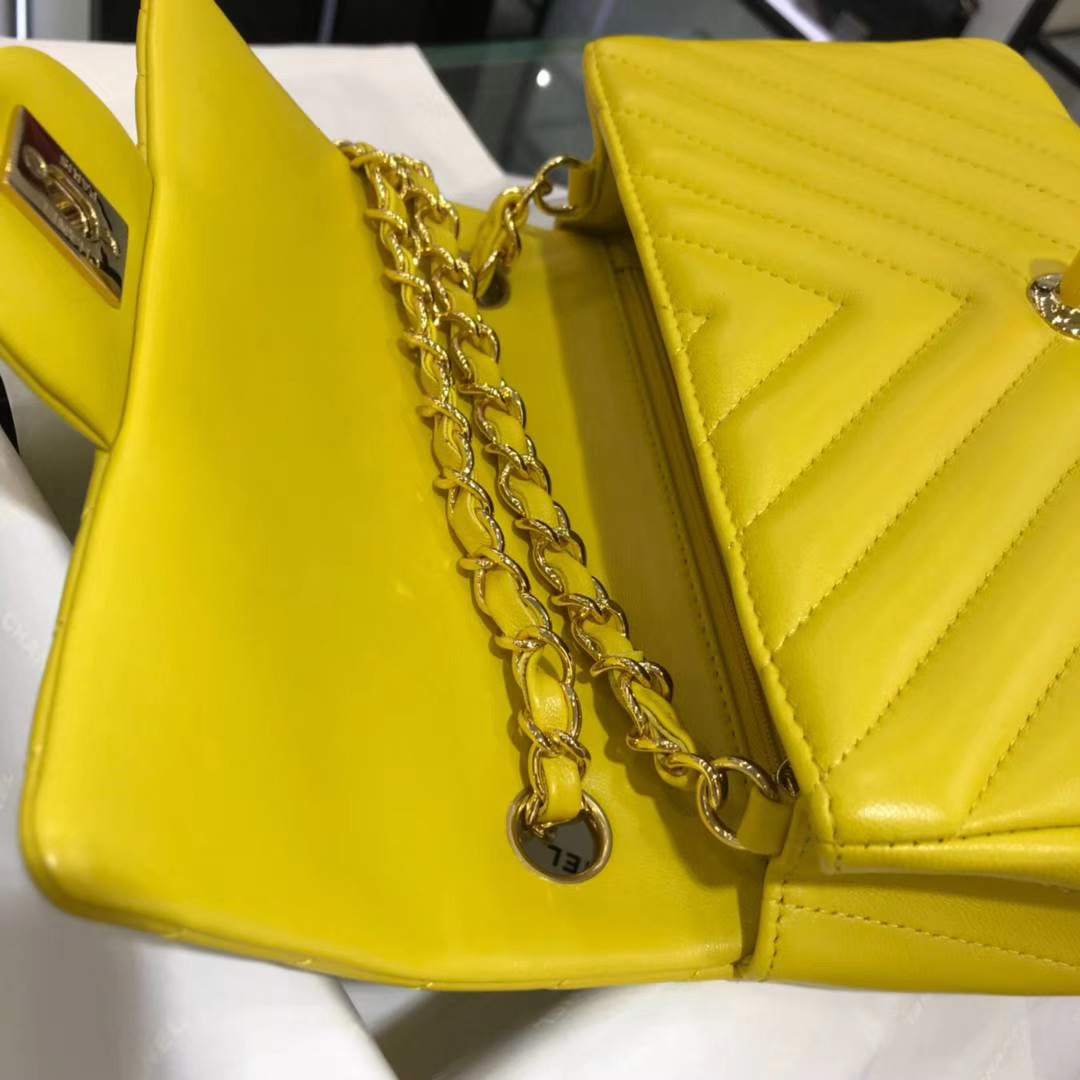 Chanel 香奈儿 V字秀系列 20cm 原厂皮小羊皮 明亮黄 金扣