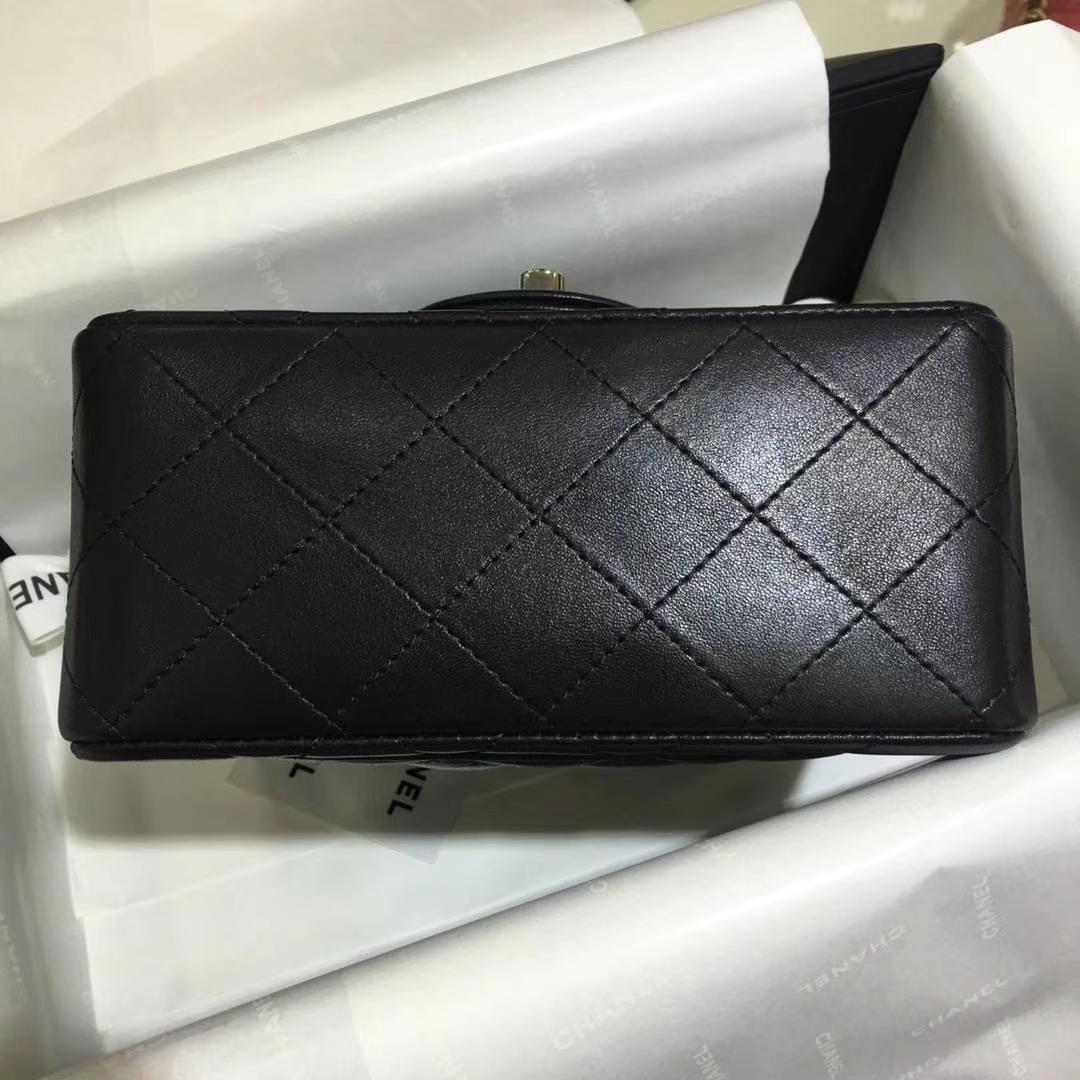 Chanel 香奈儿 Cf系列 17cm 原厂皮 小羊皮 黑色 银扣