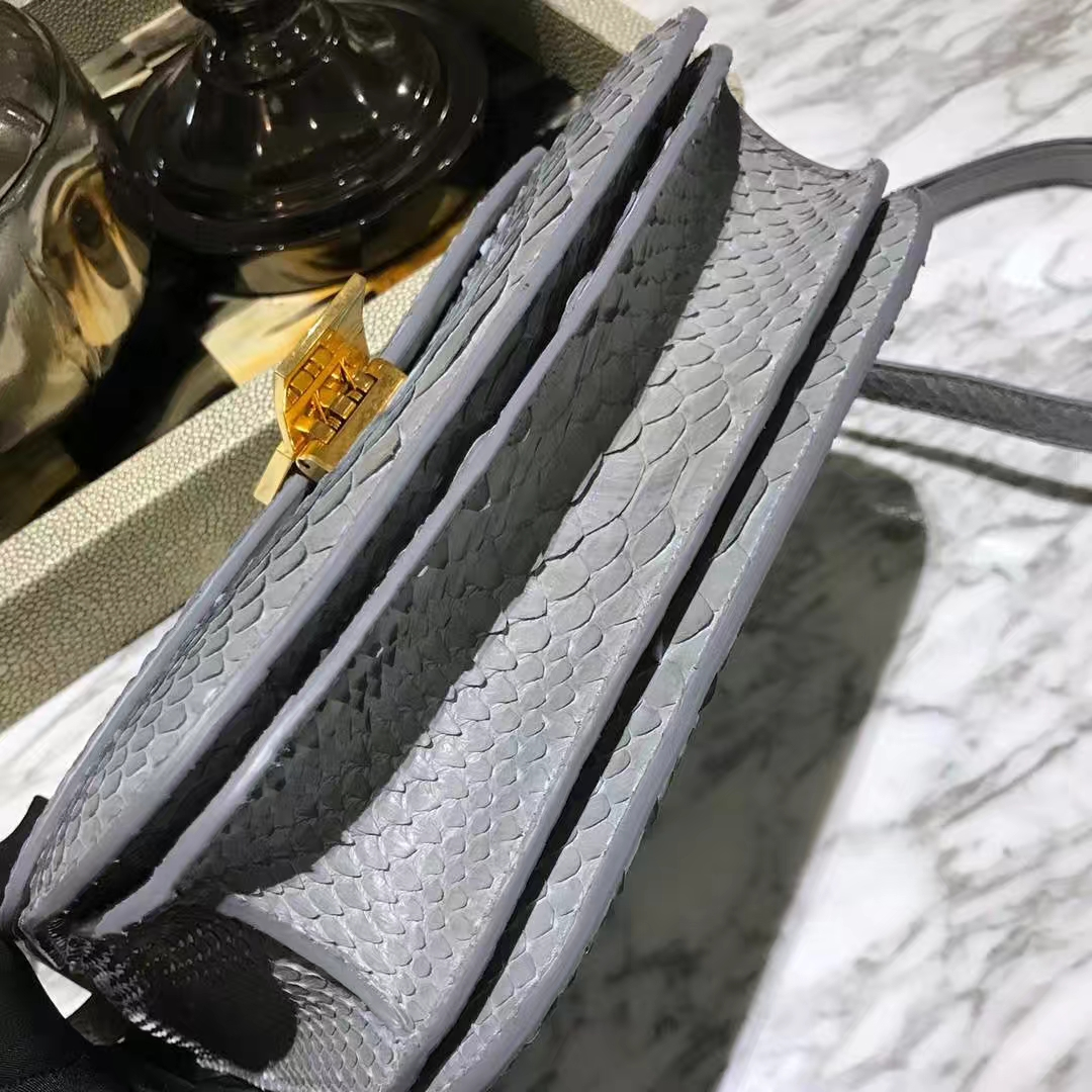 CÉLINE思琳box豆腐包印尼进口蟒蛇浅灰色