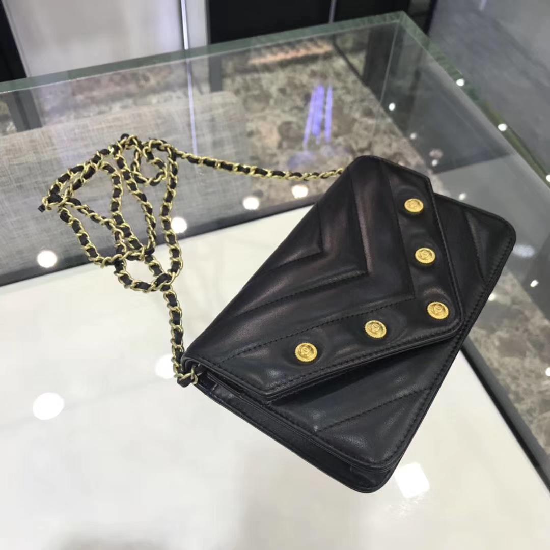 Chanel香奈儿 最新款 铆钉WOC 黑色 19cm YKK拉链