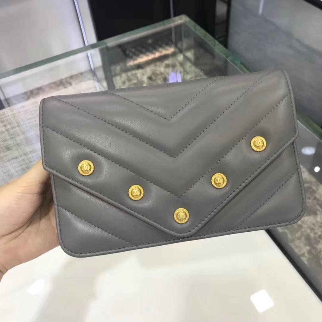 Chanel香奈儿 最新款铆钉WOC 锡器灰 19cm YKK拉链