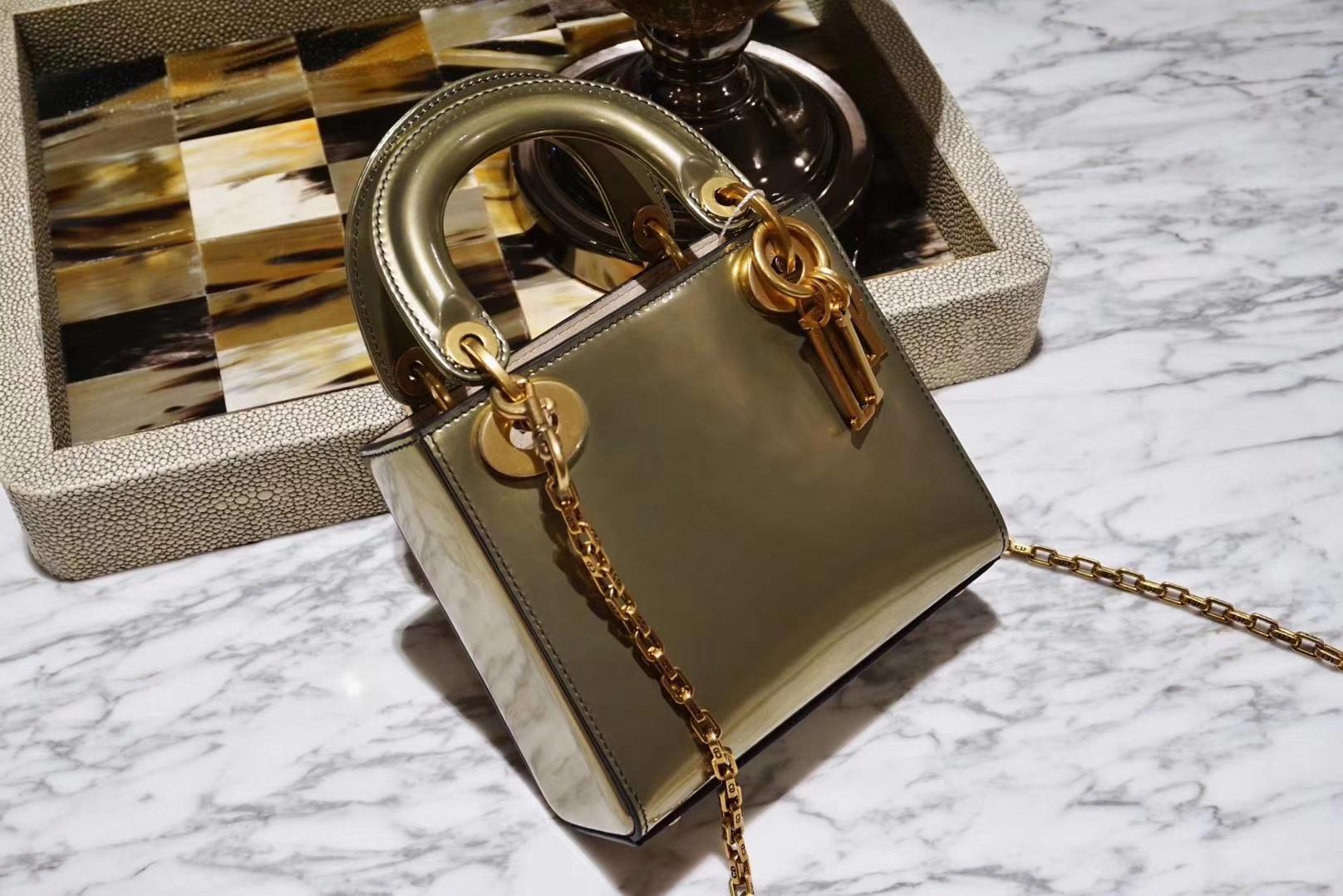 Dior mini 镜面皮 完美出品 金扣 金属金色