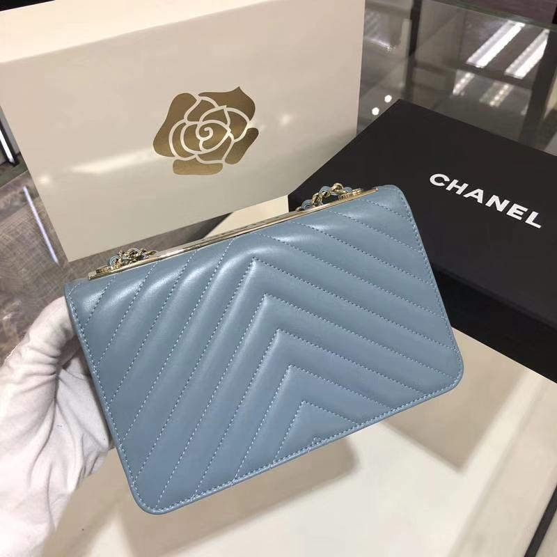 Chanel 香奈儿 发财包 V 字绣 小羊皮  20cm 梦幻蓝