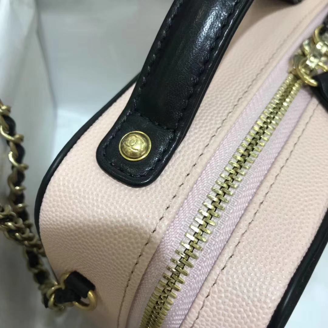Chanel 香奈儿 相机包 17cm 原厂皮小鱼子酱 杏粉色 金扣