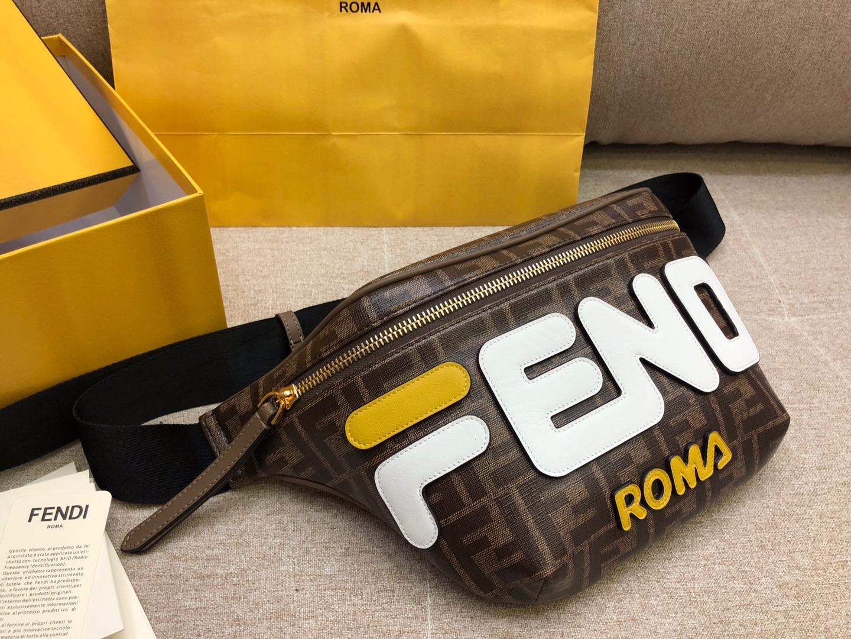 Fendi 芬迪  F家最新腰包 印有棕色印花标志图案 男女适用 30cm