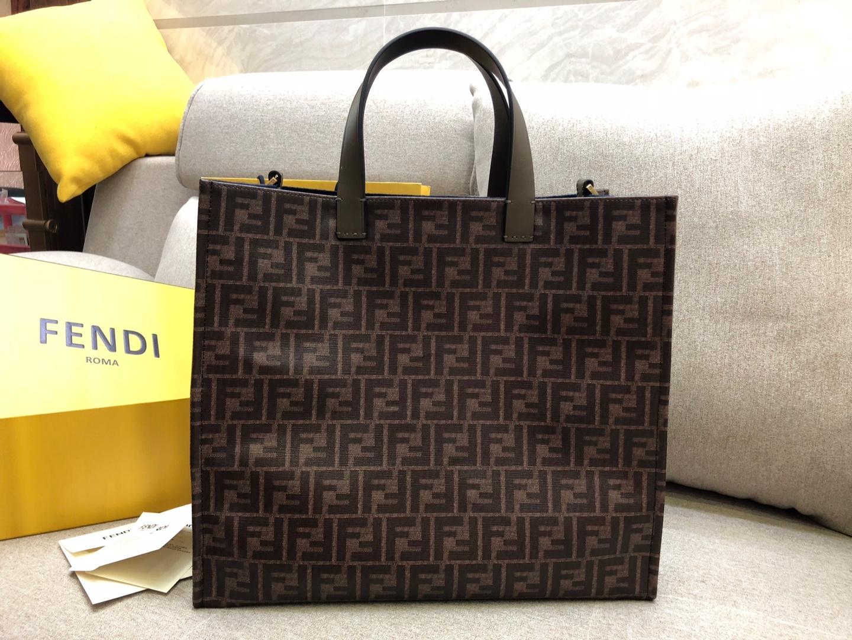 Fendi 芬迪 新款购物袋 男女街拍爆款 39x35x18cm 黑色