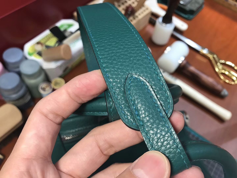 Z6孔雀绿 Malachite 爱马仕 HERMES Lindy 26/30cm 银扣 配全套专柜原版包装
