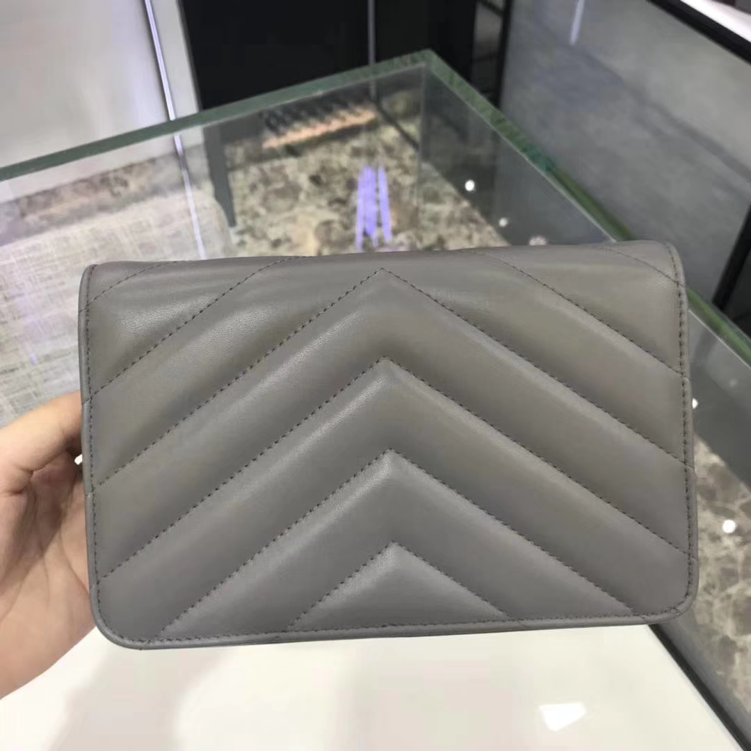 Chanel香奈儿最新款铆钉WOC 19cm 正品打版 YKK五金 灰色