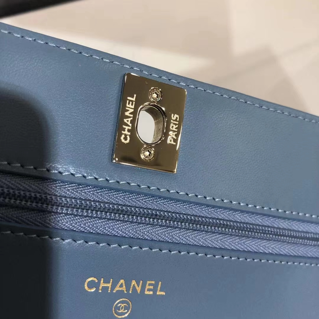 Chanel 香奈儿 WOC V字秀款 进口小羊皮 雾霾蓝 香槟金扣