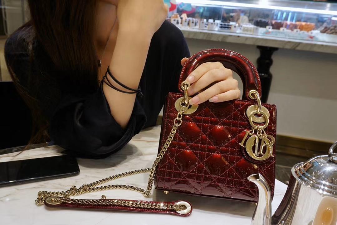 Dior 迪奥 戴妃包 Lady Dior 小号17cm漆皮 车厘子色 金扣
