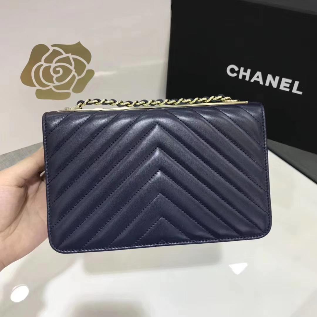 Chanel香奈儿 WOC V型 小羊皮 宝石蓝 浅金
