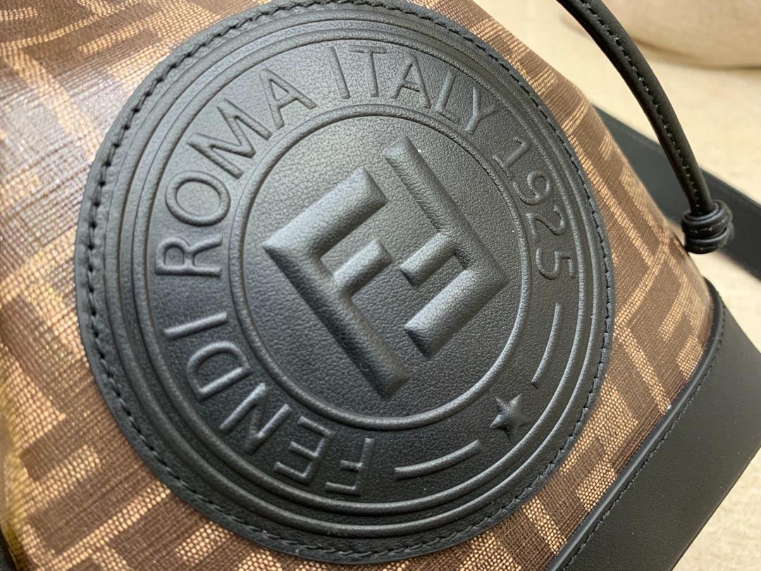 Fendi 芬迪 MonTresor水桶包 棕色提花FF图案 24x17x15cm 黑配咖色5539-2