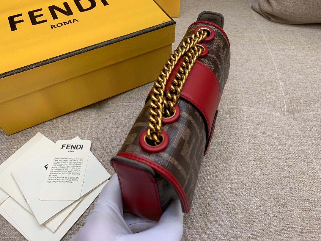FENDI芬迪现货 均含内袋和磁扣夹 F字样标章 18cm8826可肩背斜跨手提