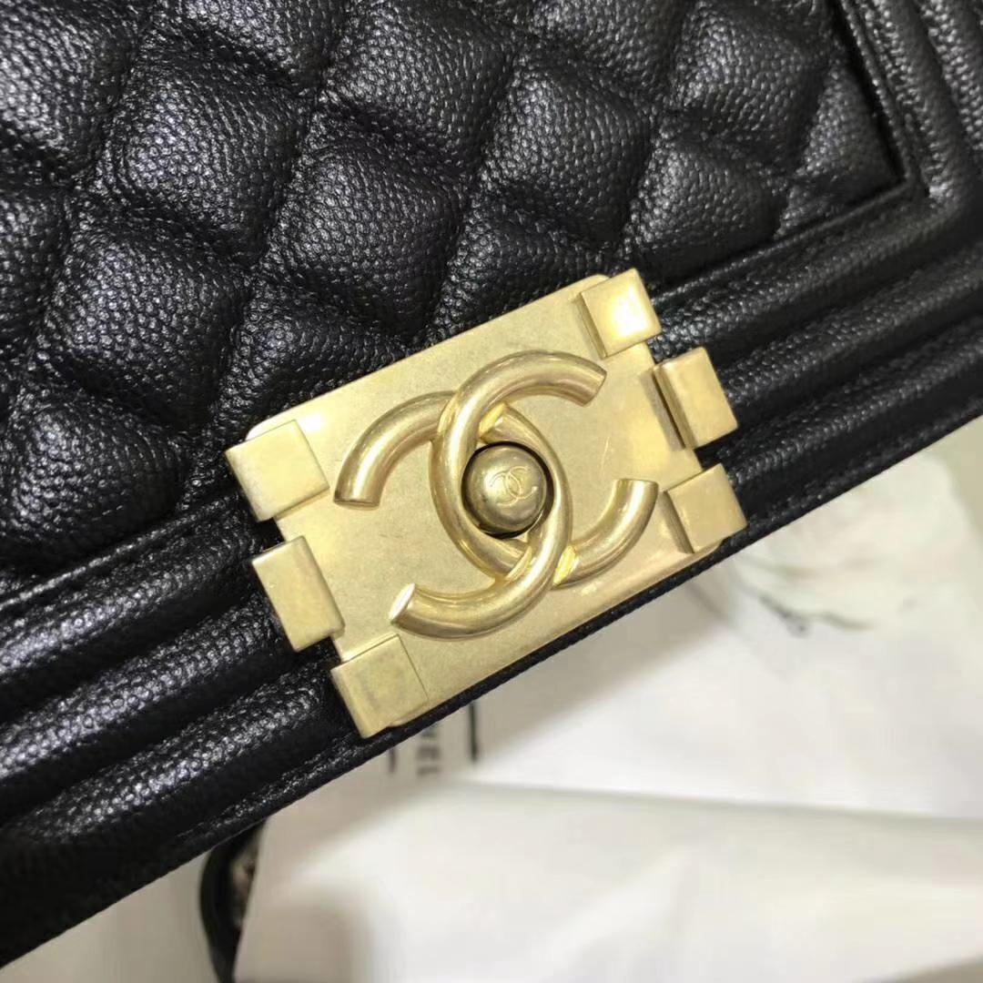 Chanel 香奈儿 Leboy 系列 20cm 原厂皮小鱼籽酱 黑色 沙金