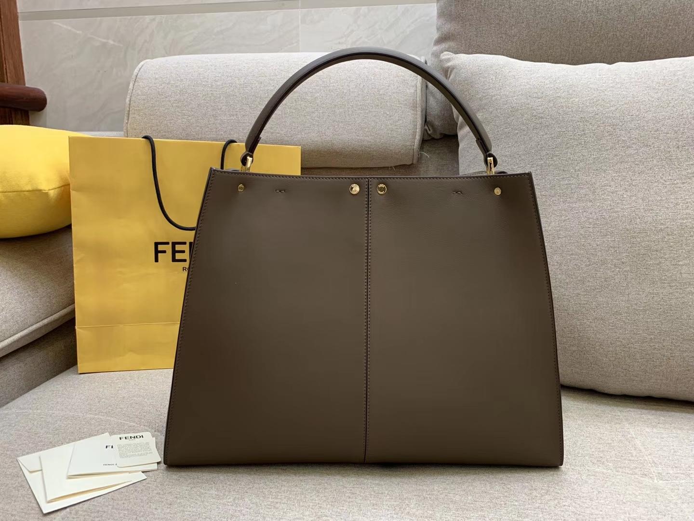 Fendi 芬迪现货  Peekaboo X-Lite 系列 最新手袋 时髦 43x33x15cm