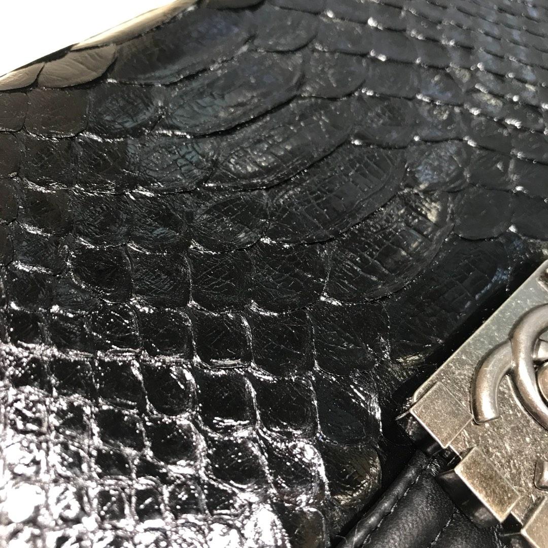 Chanel 香奈儿 Leboy 顶级代购版本 25cm 进口南非蛇皮 黑色 古银