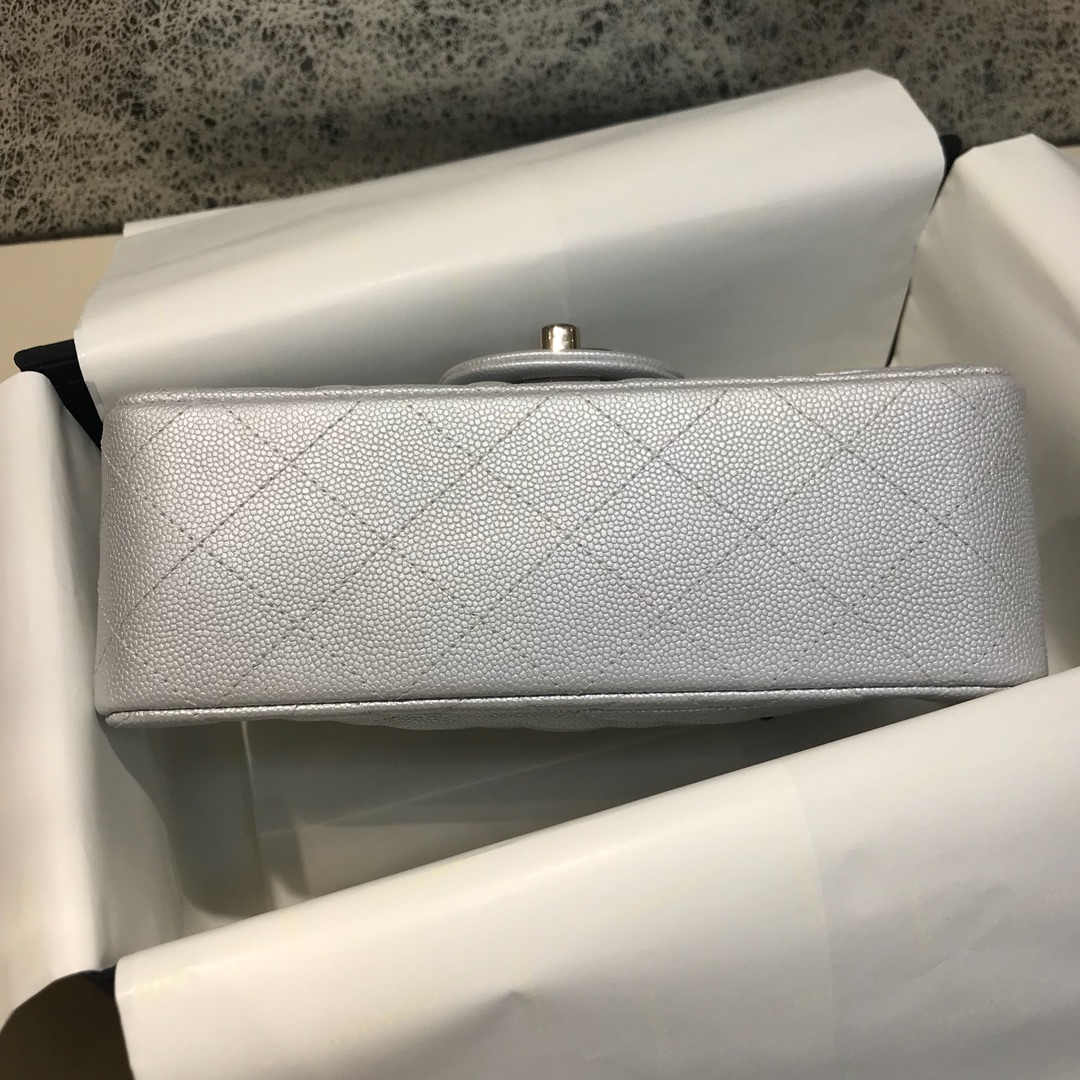 Classic Flap 代购版本 20cm 进口定制小鱼子酱 银色 银扣 进口定制皮