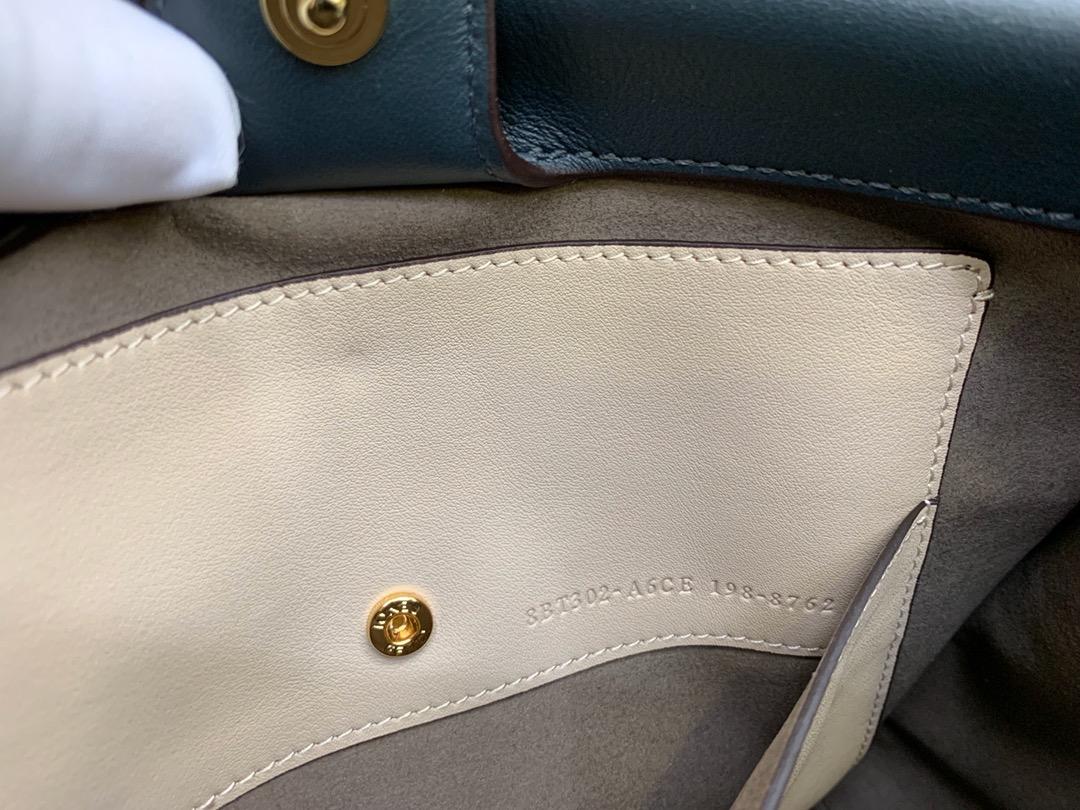 Fendi 芬迪 小号现货 Flip手袋25cm8906 手提斜挎两用