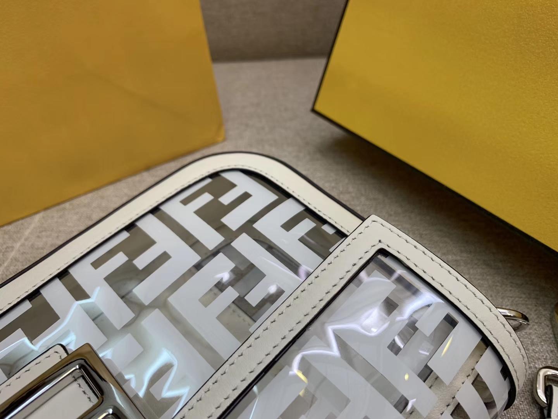 Fendi 芬迪 法棍包 Baguette手袋 全透明的TPU F 印花 26cm 白色