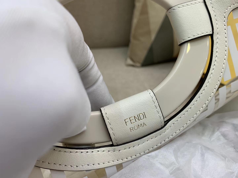 Fendi 芬迪 RUNAWAY系列 全透明的进口TPU F印花 41x34x12cm