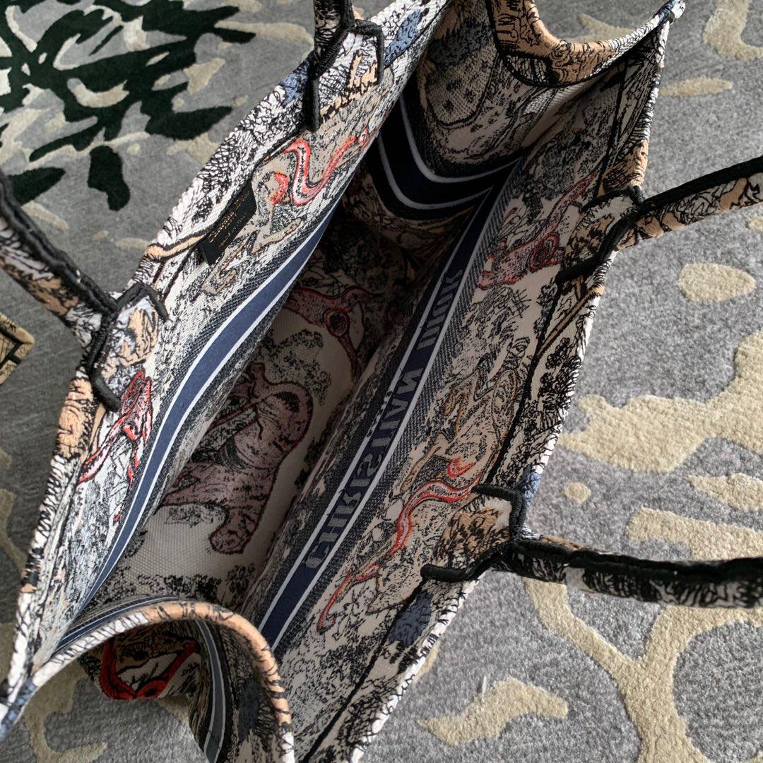 19年Dior 全新款购物袋 彩色老虎 风靡全球