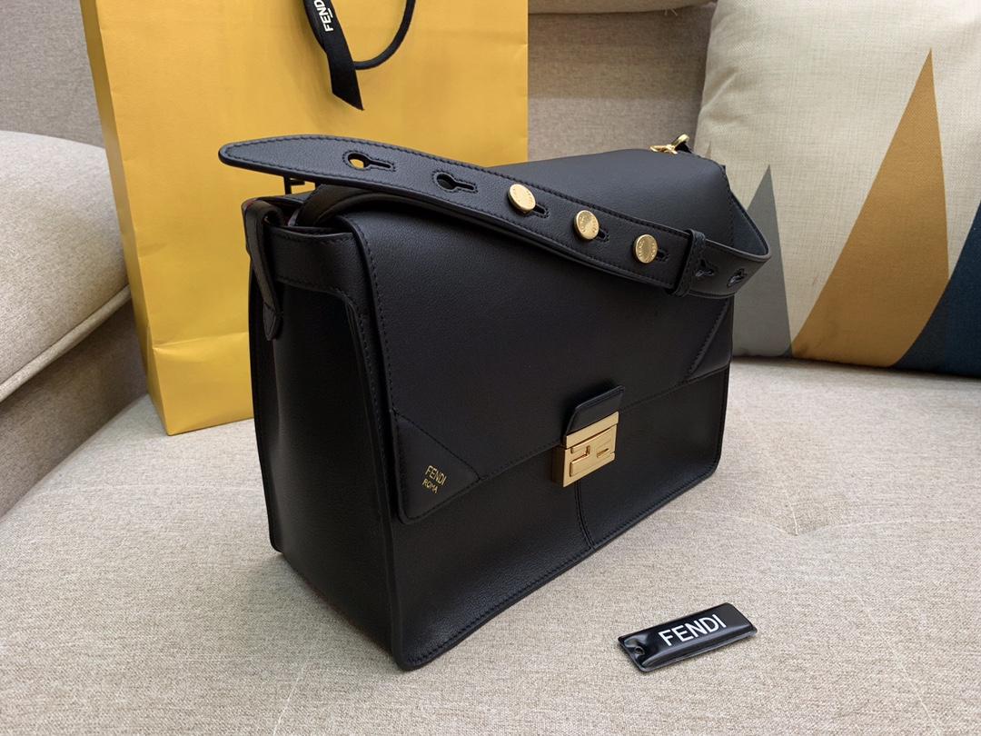 Fendi 芬迪 大号现 KANU系列 定制凸纹 黑色按扣女包 原厂进口皮