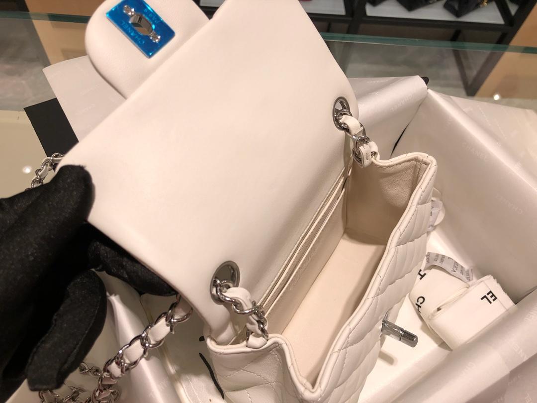 Chanel 香奈儿 原厂bodinjoyeux羔羊皮 CF17cm 白色 银扣
