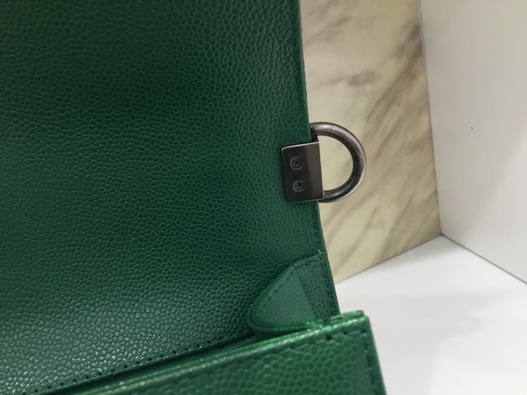 Chanel 香奈儿 Leboy 代购版本 25cm~进口鱼子酱~草绿色~银扣