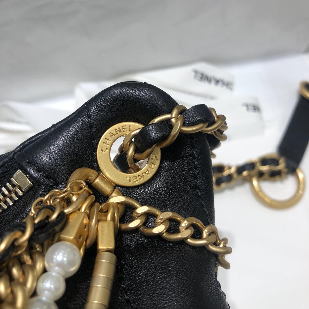 巴黎纽约系列字母logo链条腰包 黑色小羊皮 时尚金属元素 现货 34/8/14
