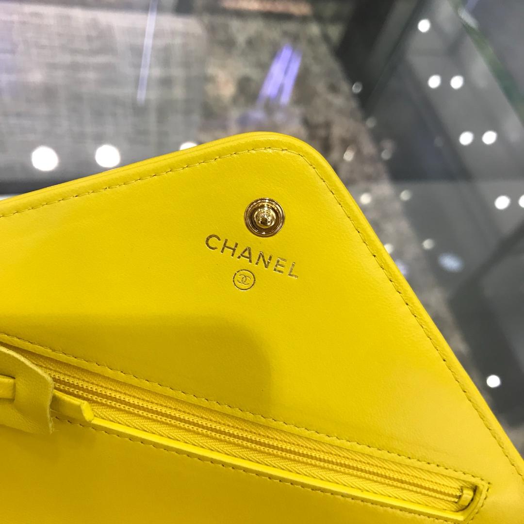 Chanel香奈儿 最新款铆钉 WOC 明亮黄 19cm