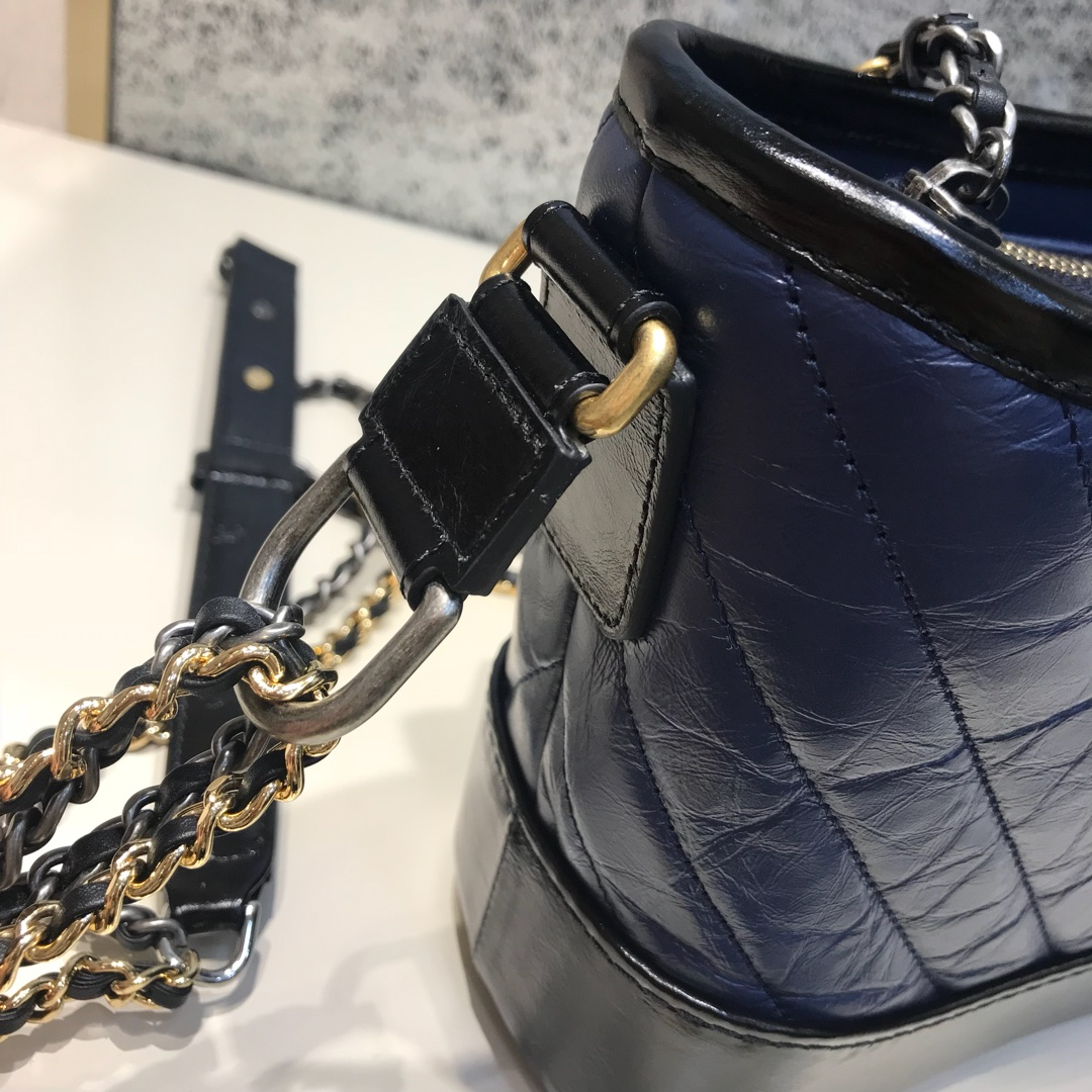 Chanel 香奈儿 Gabrielle 顶级代购版本 V纹 20cm~原厂树膏皮~蓝色