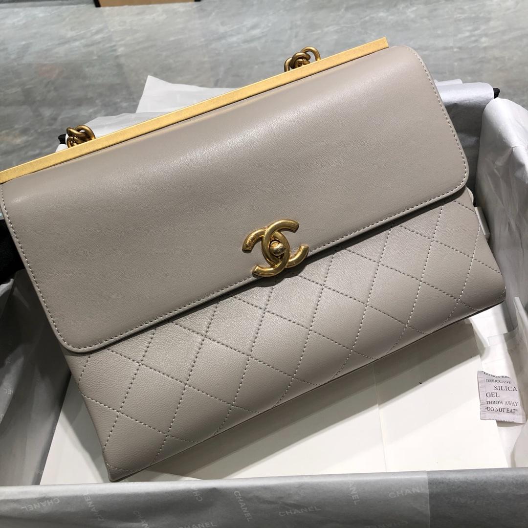 Chanel 香奈儿 口盖包~ 28cm 小羊皮~灰色~