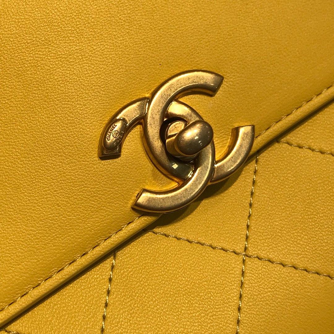 Chanel 香奈儿 口盖包~ 23cm 小羊皮~黄色